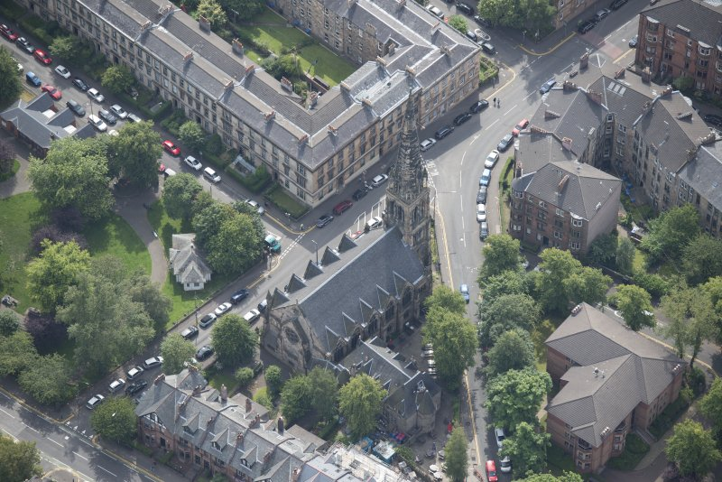 Oblique aerial view of Dowanhill Presbyterian Church and Dowanhill Presbyterian Church Hall, looking SE.