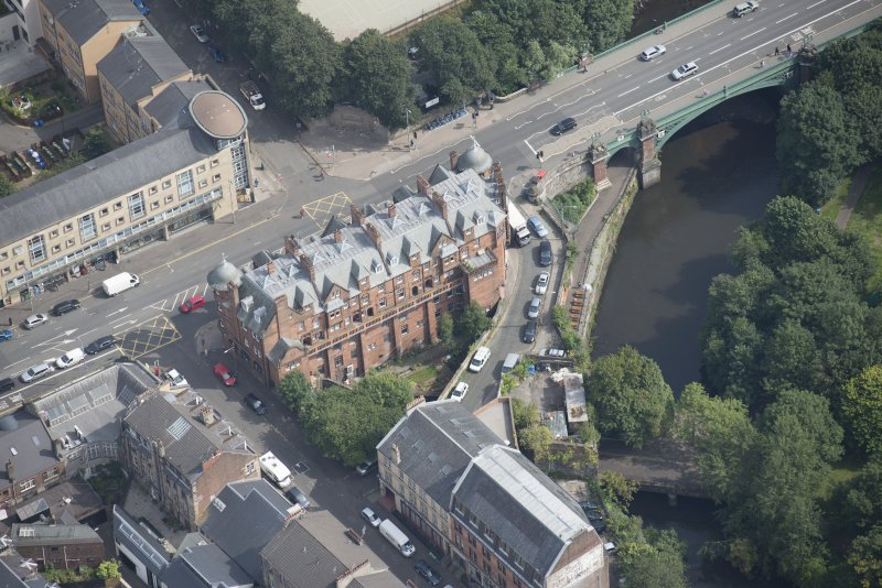 Oblique aerial view of 445 - 459 Great Western Road, looking ENE.