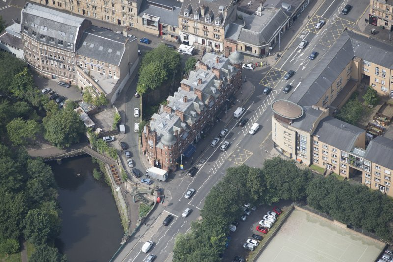 Oblique aerial view of 445 - 459 Great Western Road, looking W.