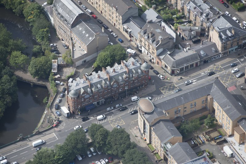 Oblique aerial view of 445 - 459 Great Western Road, looking WSW.