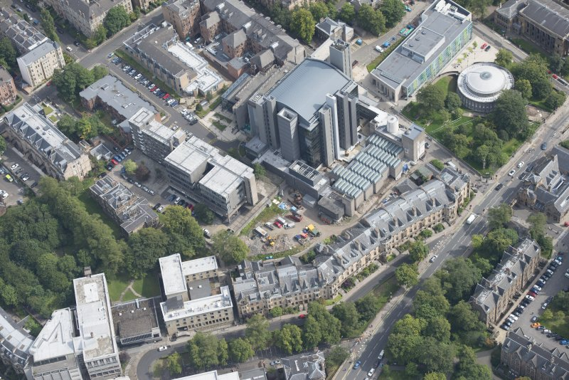 Oblique aerial view of University Gardens and Lilybank House, looking ENE.