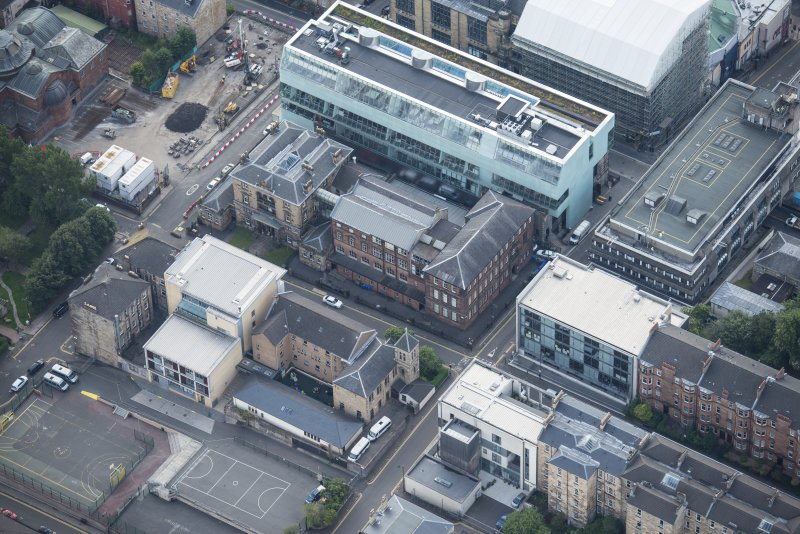 Oblique aerial view of the Glasgow School of Art and Dalhousie Street, looking S.