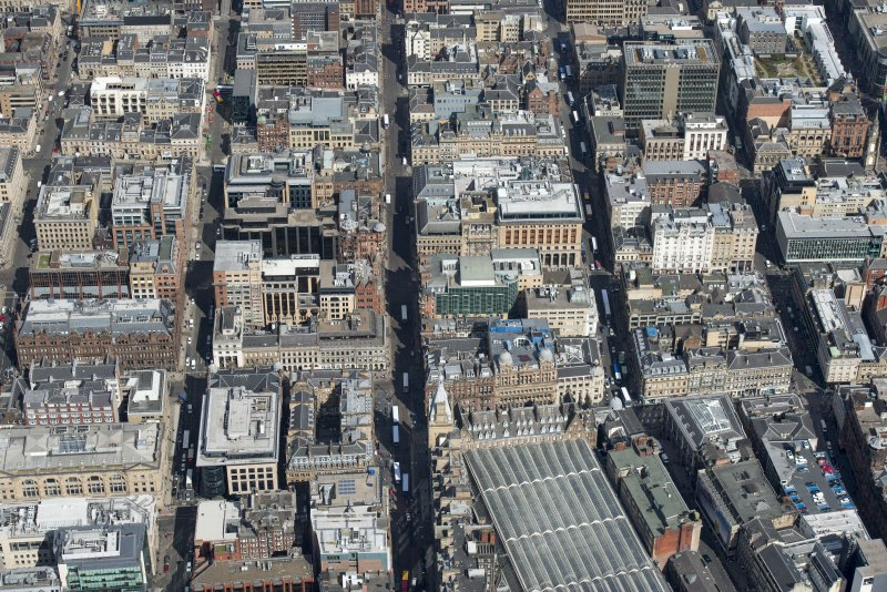 General oblique aerial view of central Glasgow centred on Hope  Street, Renfield Street and Wellington Street , looking NNE.