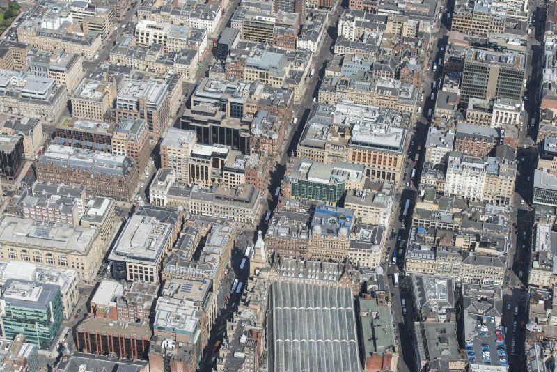 General oblique aerial view of central Glasgow centred on Hope  Street, Renfield Street and Wellington Street , looking N.