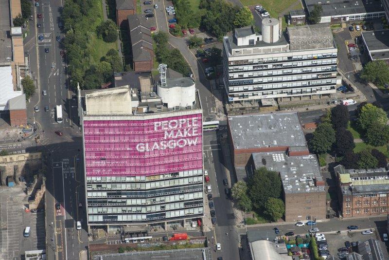 Oblique aerial view of Glasgow College of Building and Printing, looking NNW.