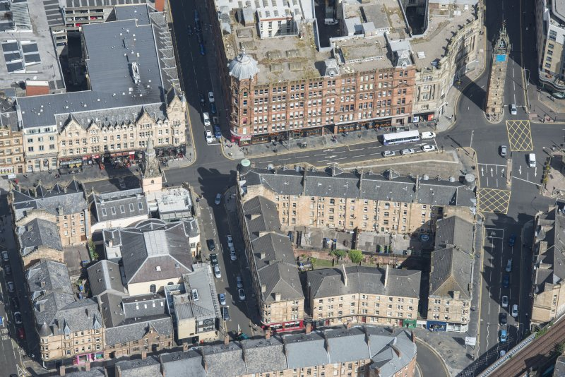 Oblique aerial view of Trongate, High Street and Bell Street, looking NNE.