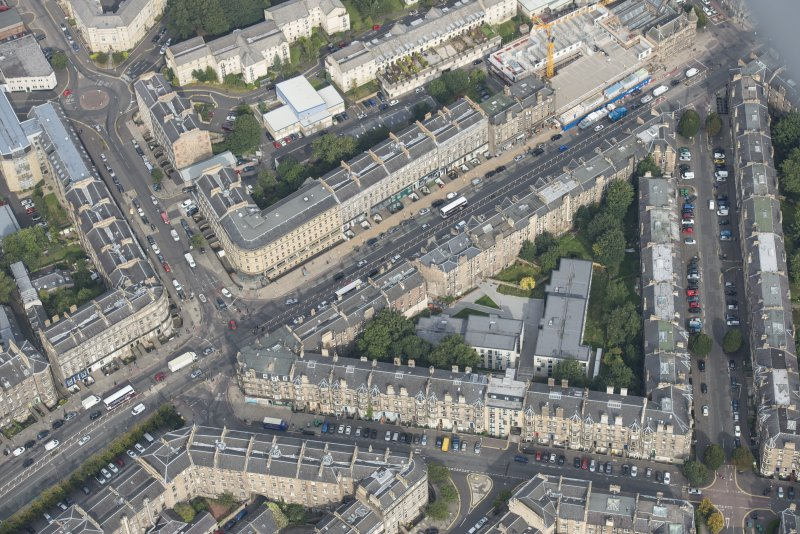 Oblique aerial view of Montgomery Street, Brunswick Street and Leith Walk, looking NNW.