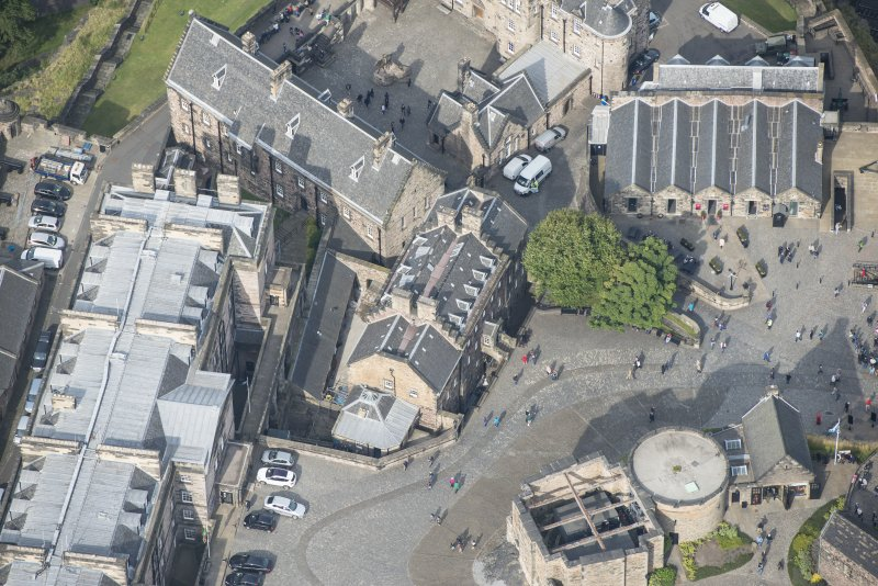 Oblique aerial view centred on the Governor's House, Edinburgh Castle, looking NW.