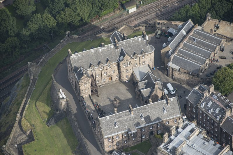 Oblique aerial view of Edinburgh Castle centred on theSally Port and Guard House,  looking NNE.