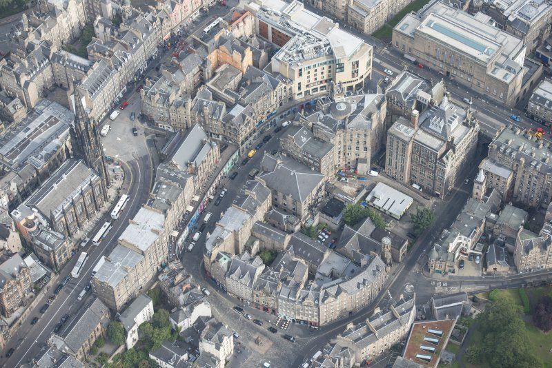 Oblique aerial view of Bank Street, Victoria Street and West Bow, looking NW.