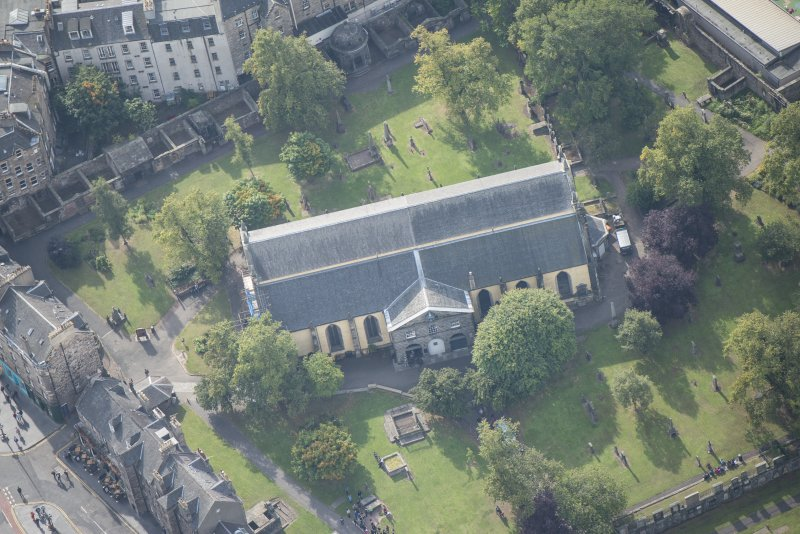 Oblique aerial view of Greyfriars Church and Churchyard, looking S.