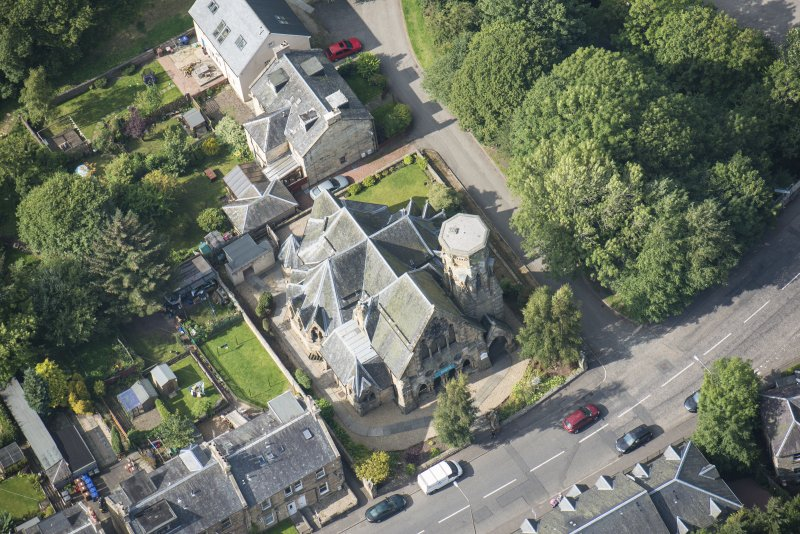 Oblique aerial view of Penicuik Free Church, looking WNW.