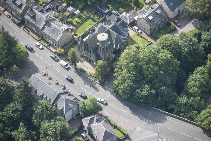 Oblique aerial view of Penicuik Free Church, looking SW.