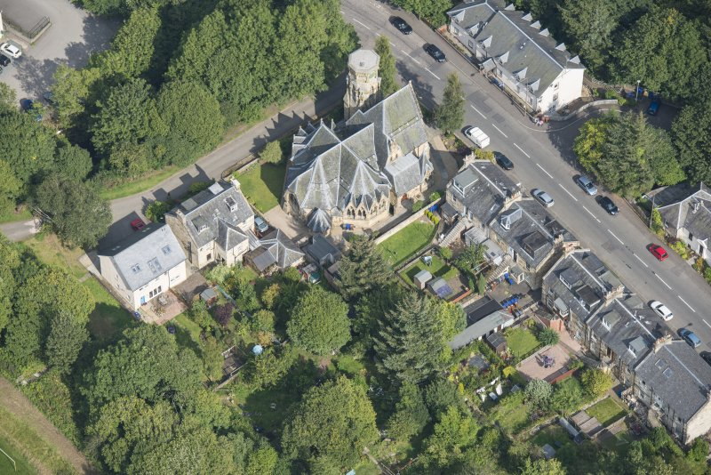Oblique aerial view of Penicuik Free Church, looking NE.