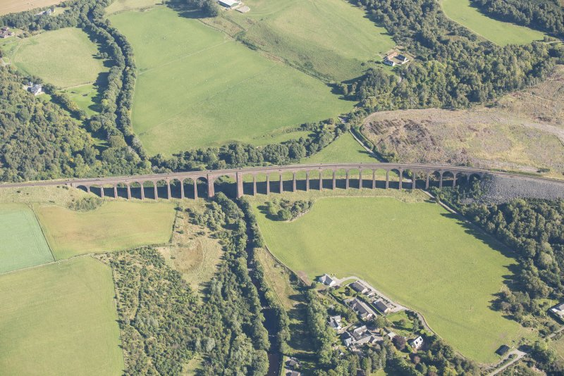 Oblique aerial view of Nairn Viaduct, looking E.