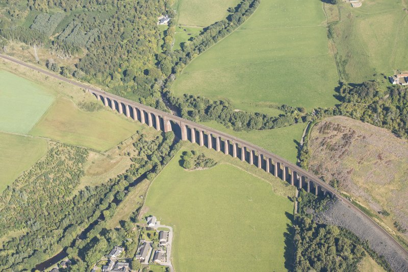 Oblique aerial view of Nairn Viaduct, looking NE.
