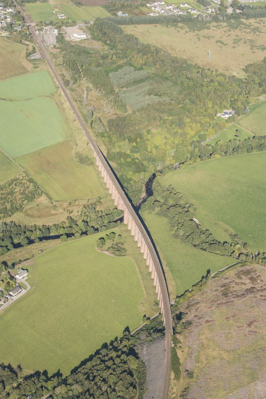 Oblique aerial view of Nairn Viaduct, looking N.