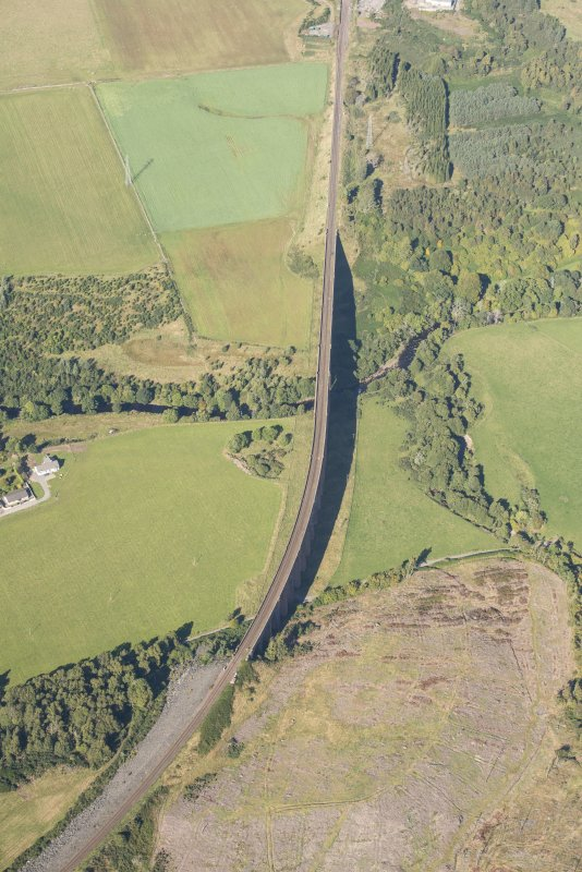 Oblique aerial view of Nairn Viaduct, looking NNW.