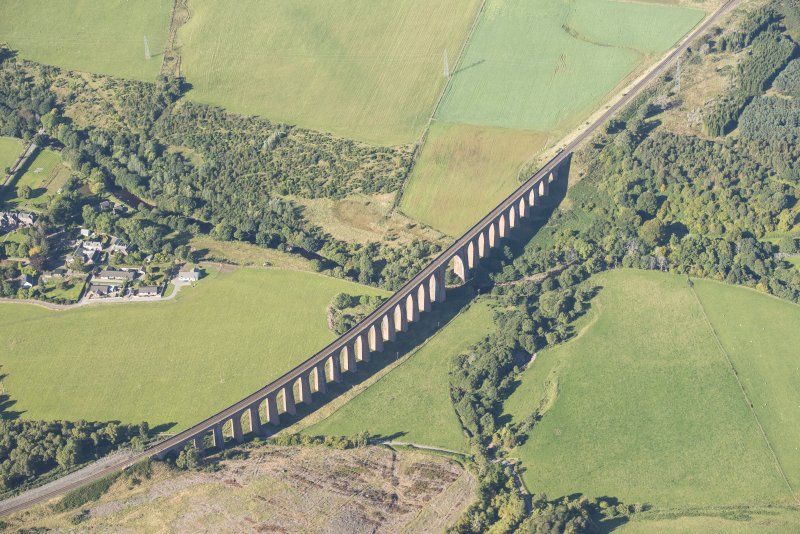 Oblique aerial view of Nairn Viaduct, looking NW.