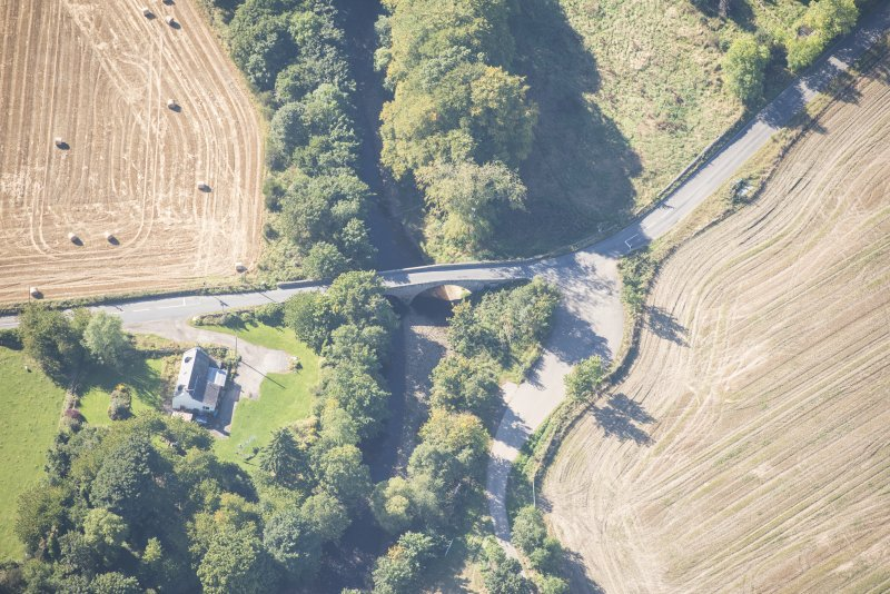 Oblique aerial view of Clephanton White Bridge, looking WSW.