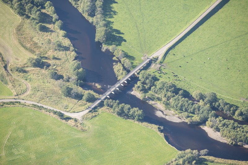 Oblique aerial view of Broomhill Bridge, looking W.