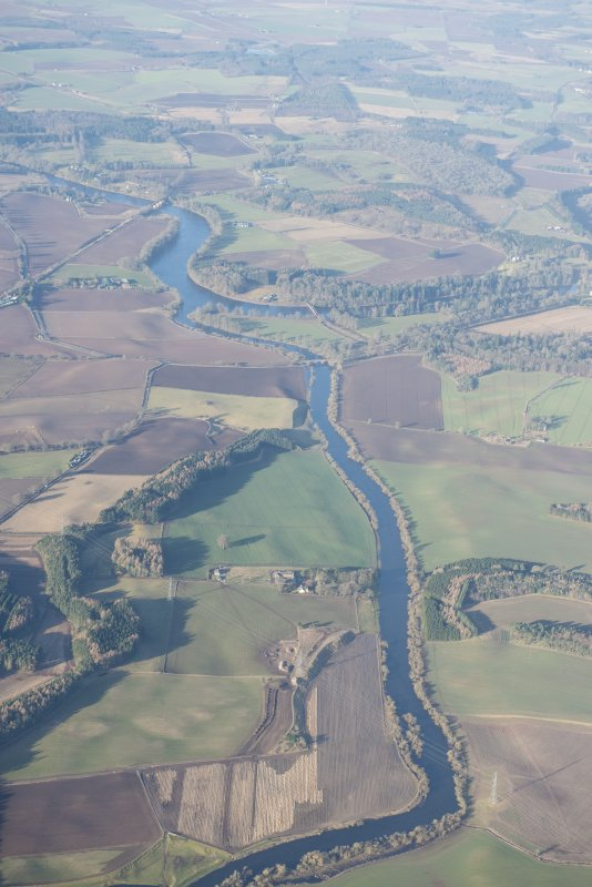 Oblique aerial view of the River Isla at its junction with the River Tay, looking WSW.