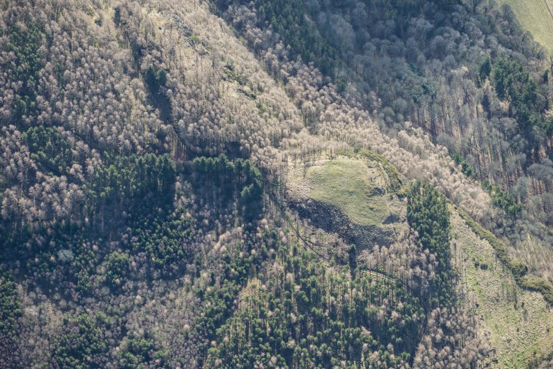 Oblique aerial view of Moncreiffe Hill fort, looking SE.