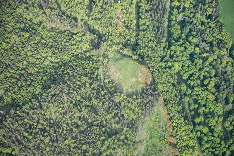 Oblique aerial view of the fort on Moncreiffe Hill, looking E.