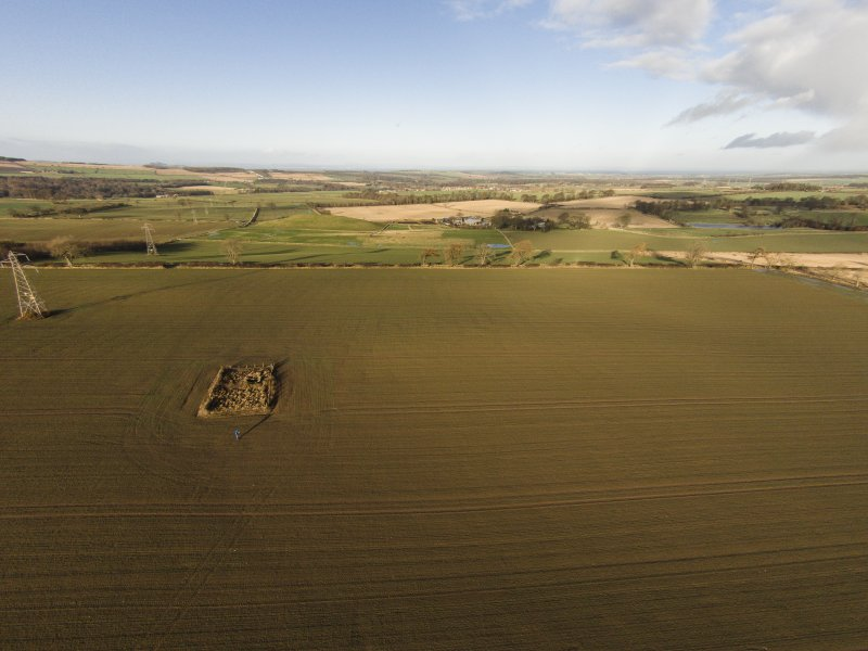 Oblique aerial view of Crichton Mains souterrain, looking NNW.