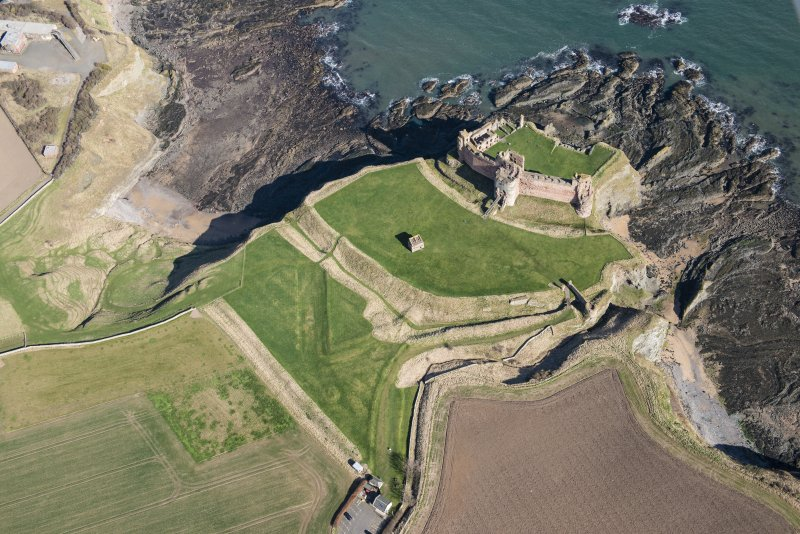 Oblique aerial view of Tantallon Castle, looking SE.