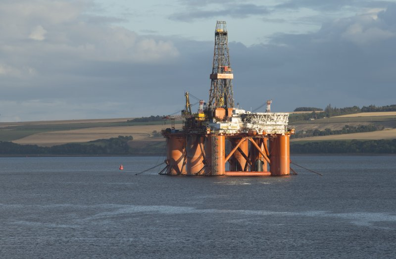 VIew of oil platform from East pier to north west