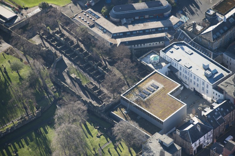 Oblique aerial view of Greyfriars Churchyard Extension, looking SSW.