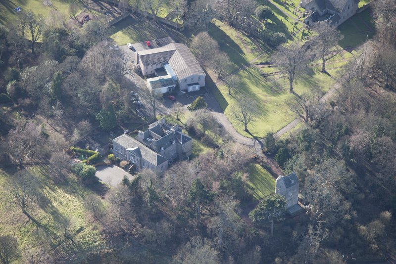Oblique aerial view of Cramond House and Cramond Tower, looking SSW.