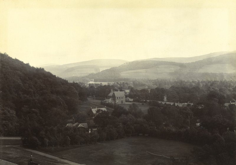General view of Peebles from the Hydro