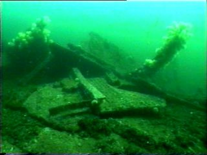 Diver photograph of hull on Lady Isabella wreck