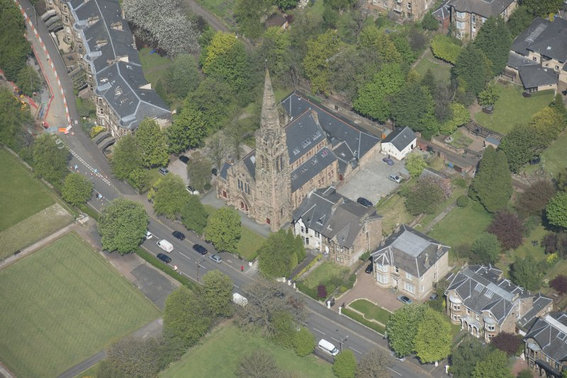 Oblique aerial view of Queen's Park Church and Hall, looking N.