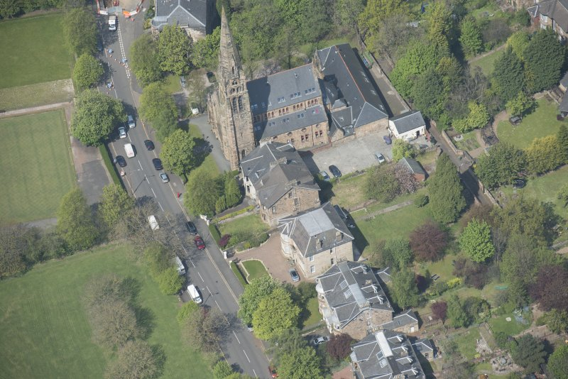 Oblique aerial view of Queen's Park Church and Hall, looking NNW.