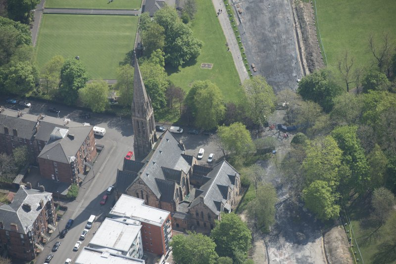 Oblique aerial view of Camphill Queen's Park Church and Hall, looking ESE.