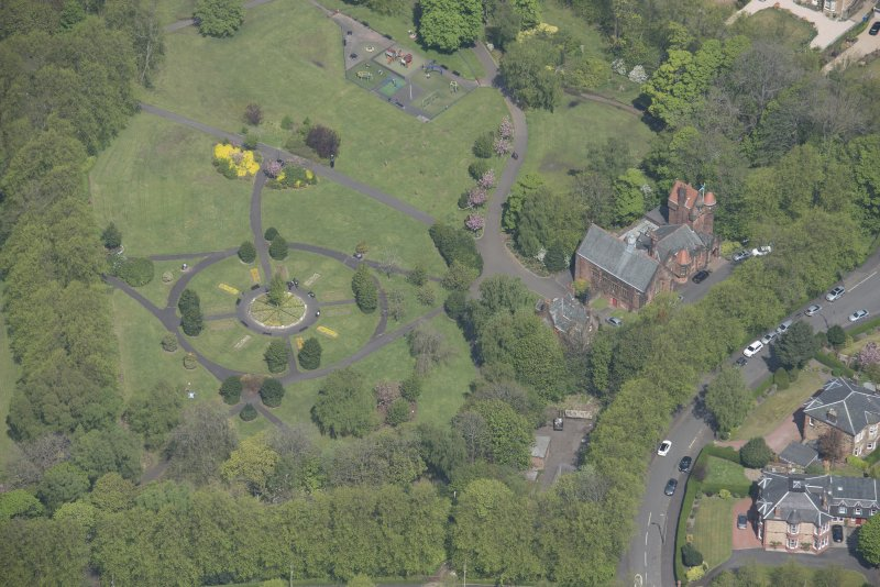 Oblique aerial view of Pollokshields Burgh Hall and Hamilton Fountain, looking N.