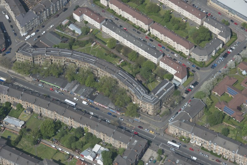 Oblique aerial view of Walmer Crescent, looking NNW.