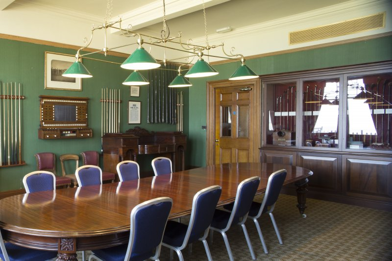 Ground floor. General view of the snooker room.