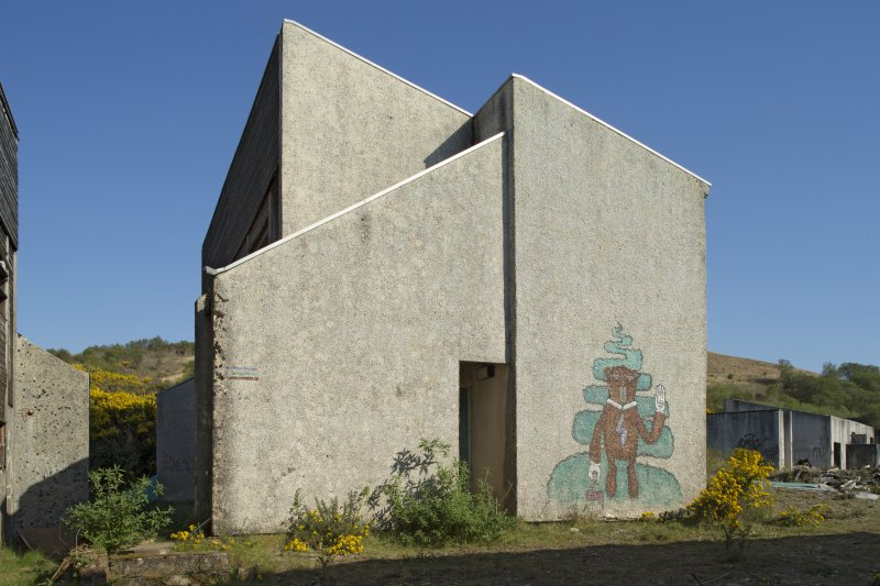 View of accommodation block and graffiti art, taken from the west.