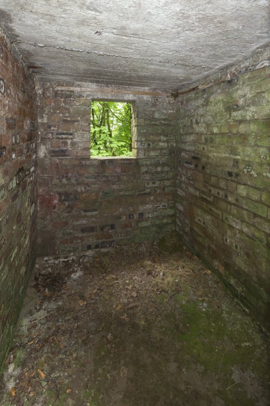 Ex D.O. post. Interior view of small room to the N of the observation room.