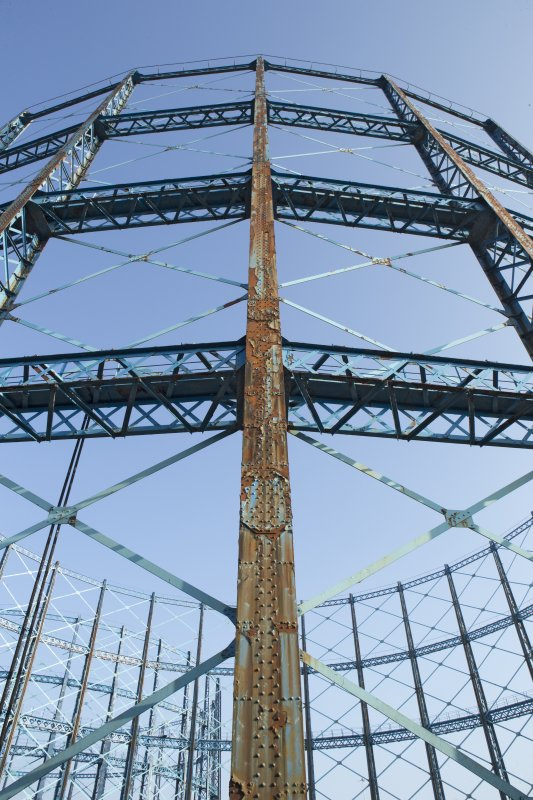 Gasholder no.1, detail of framework