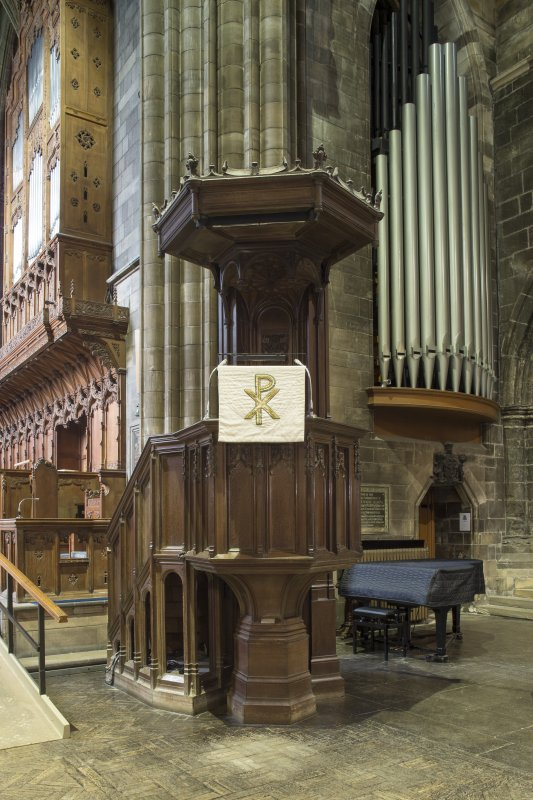 Crossing, view of pulpit