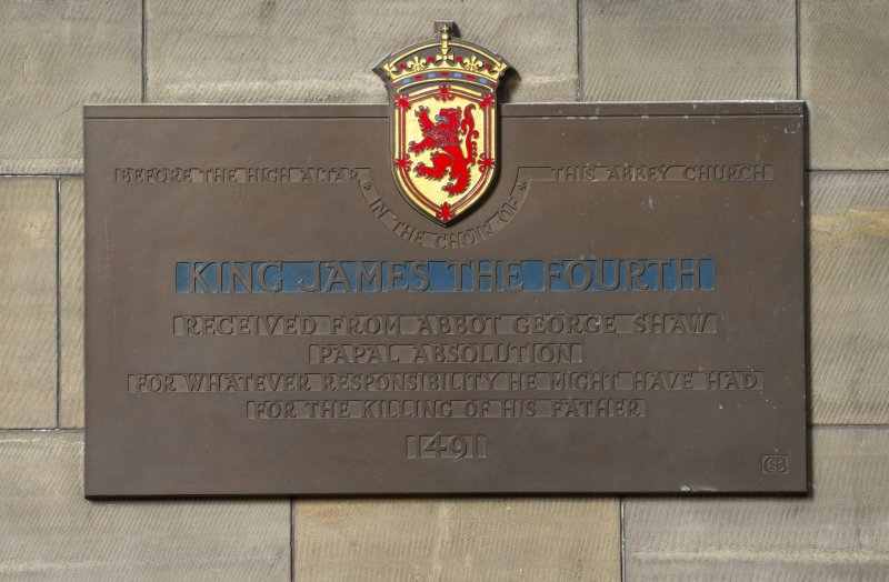 Choir, detail of plaque to King Janes IV