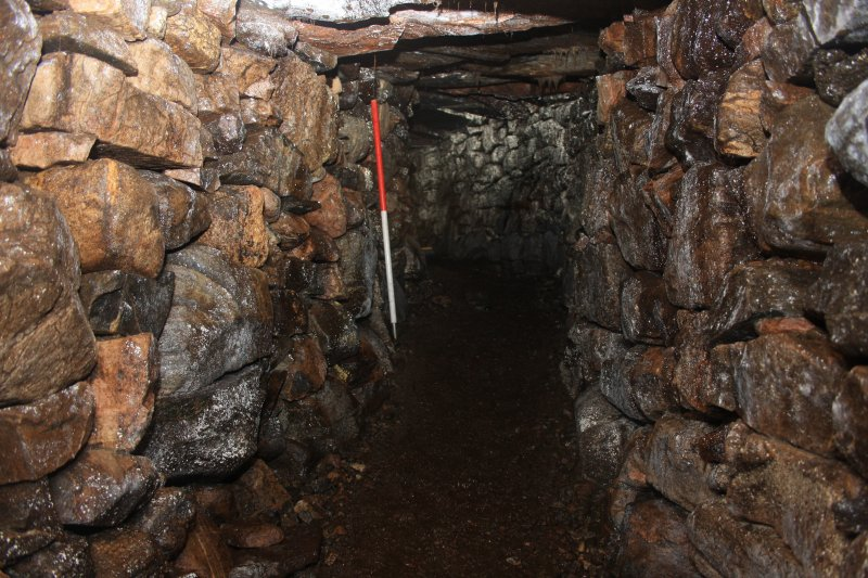 The souterrain passage, looking E around the central curve