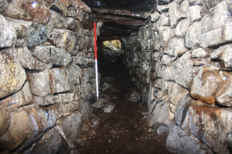 The souterrain passage, looking E towards the entrance