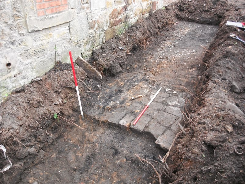 Trench 1 007 and drain cut