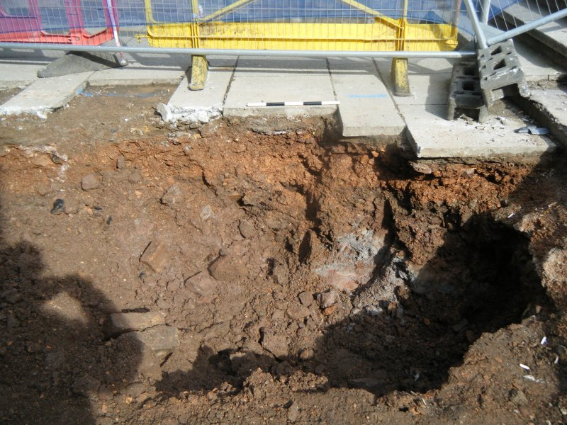 Ph1. SW facing section showing made ground to bottom of excavation